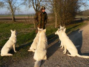 Françoise et ses loups blancs